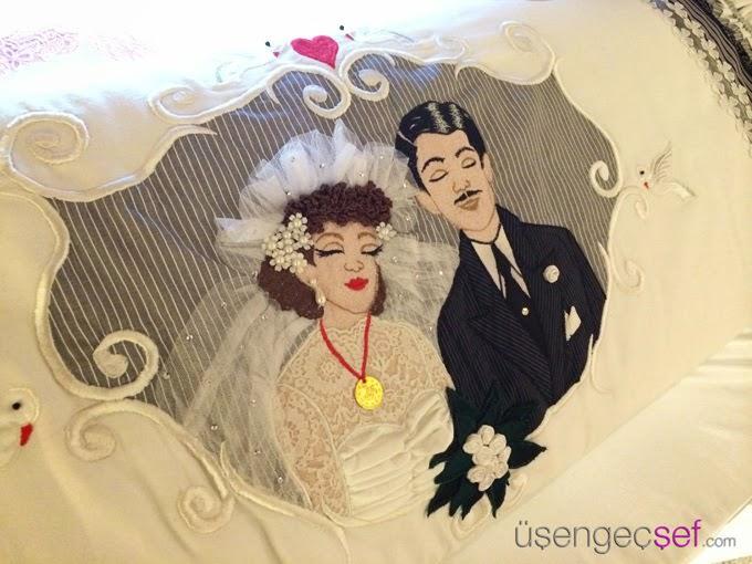 bir-yastik-evlilik-dugun