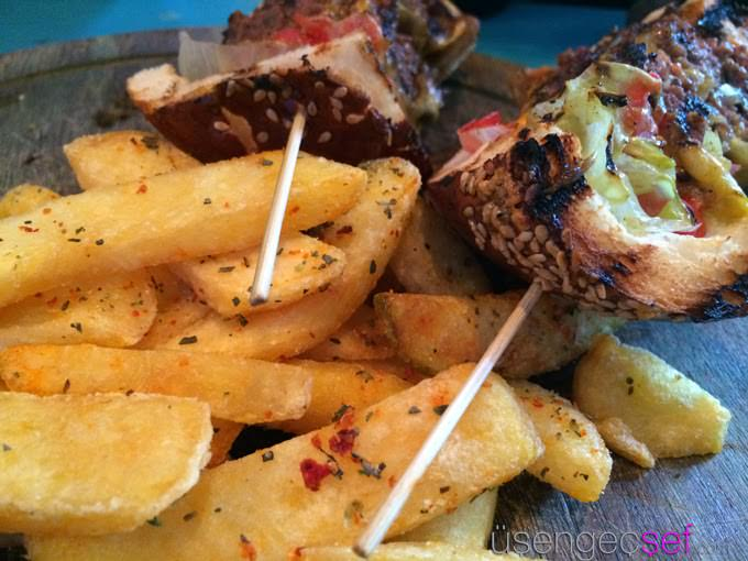 karakoy-baltazar-burger-patates
