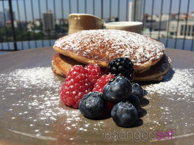 st-regis-hotel-istanbul-spago-kahvalti-pancake