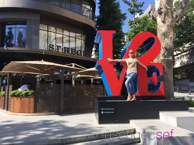 st-regis-hotel-istanbul-robert-indiana-love