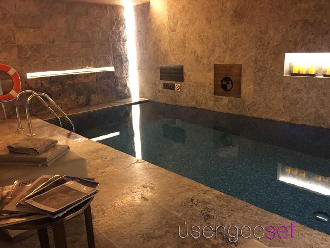 st-regis-hotel-istanbul-iridium-spa-havuz