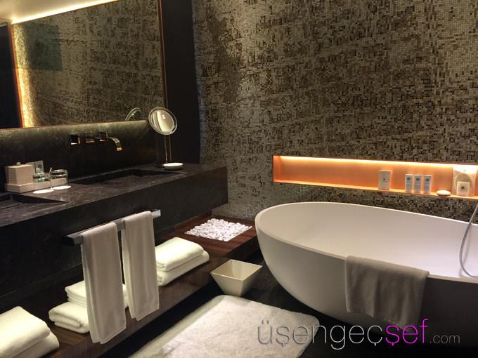 st-regis-hotel-istanbul-oda-banyo