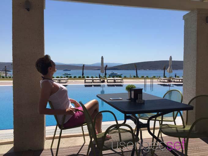 alkoclar-exclusive-alacati-hotel-havuz