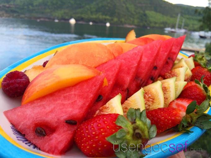 il-riccio-beach-restaurant-bodrum-dogus-dream-meyve