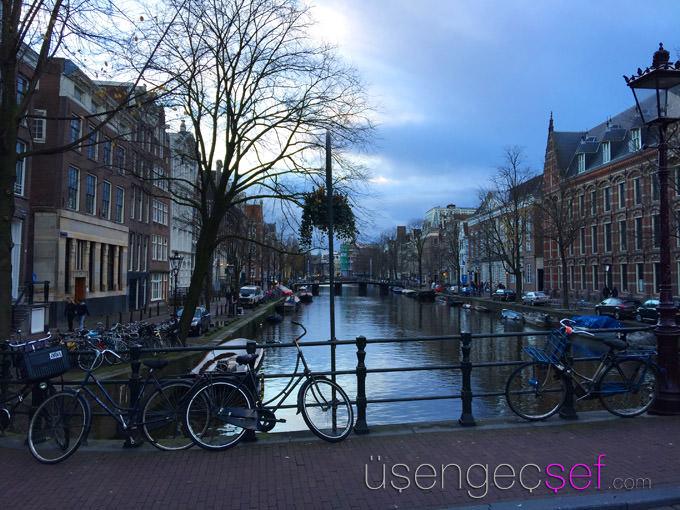 amsterdam-gezisi-bisiklet-kanal-turu