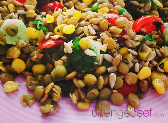 adim-adim-resimli-mercimek-salata-tarifi-iftar-menuleri