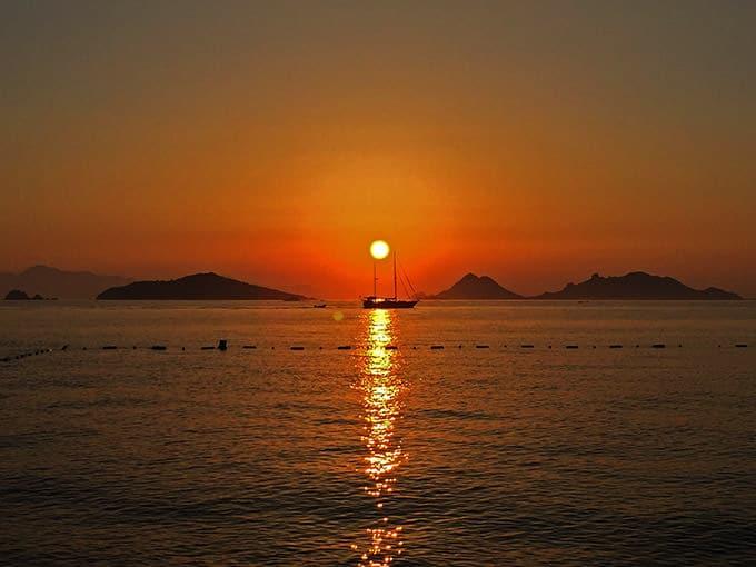 swissotel-resort-bodrum-beach-deniz-manzara-gunbatimi