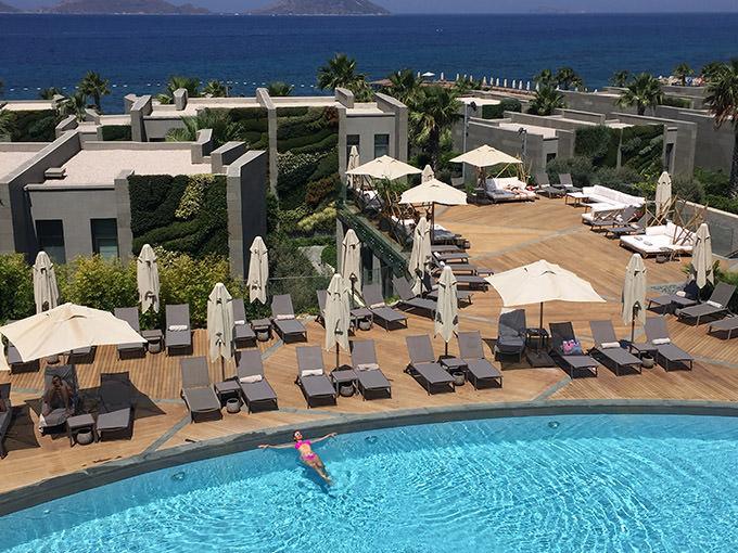 swissotel-resort-bodrum-beach-oda-deniz-manzara