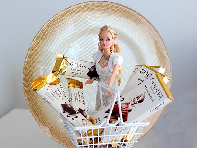 godiva-yakinimda-barbie-market-araba-cikolata