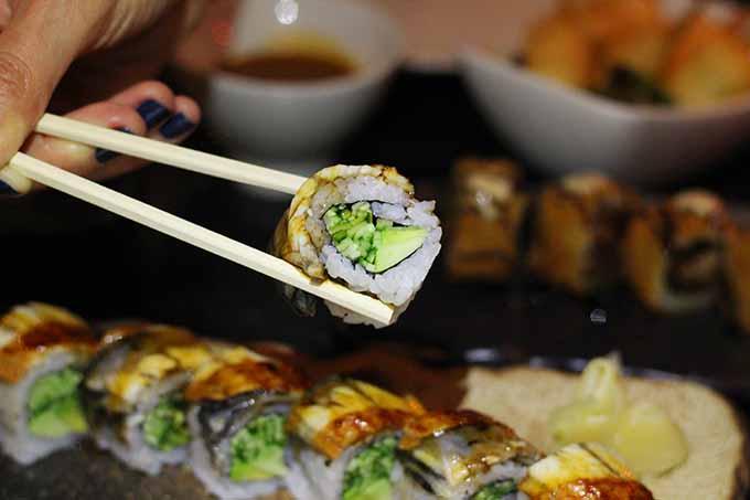 porter-bar-b-q-sushi-dragon-roll-bagdat-caddesi-mekan-tavsiye