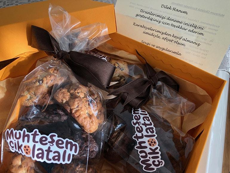 muhtesem-cikolatali-kurabiye-cevizli-vanilyali
