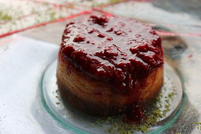usengec-sef-isabey-bagevi-sevilen-saraplari-cheesecake-tarifi
